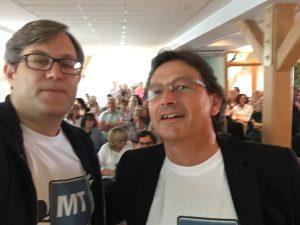 Nur stilecht mit Logo-Shirt und Selfie ... Foto: Lohmann