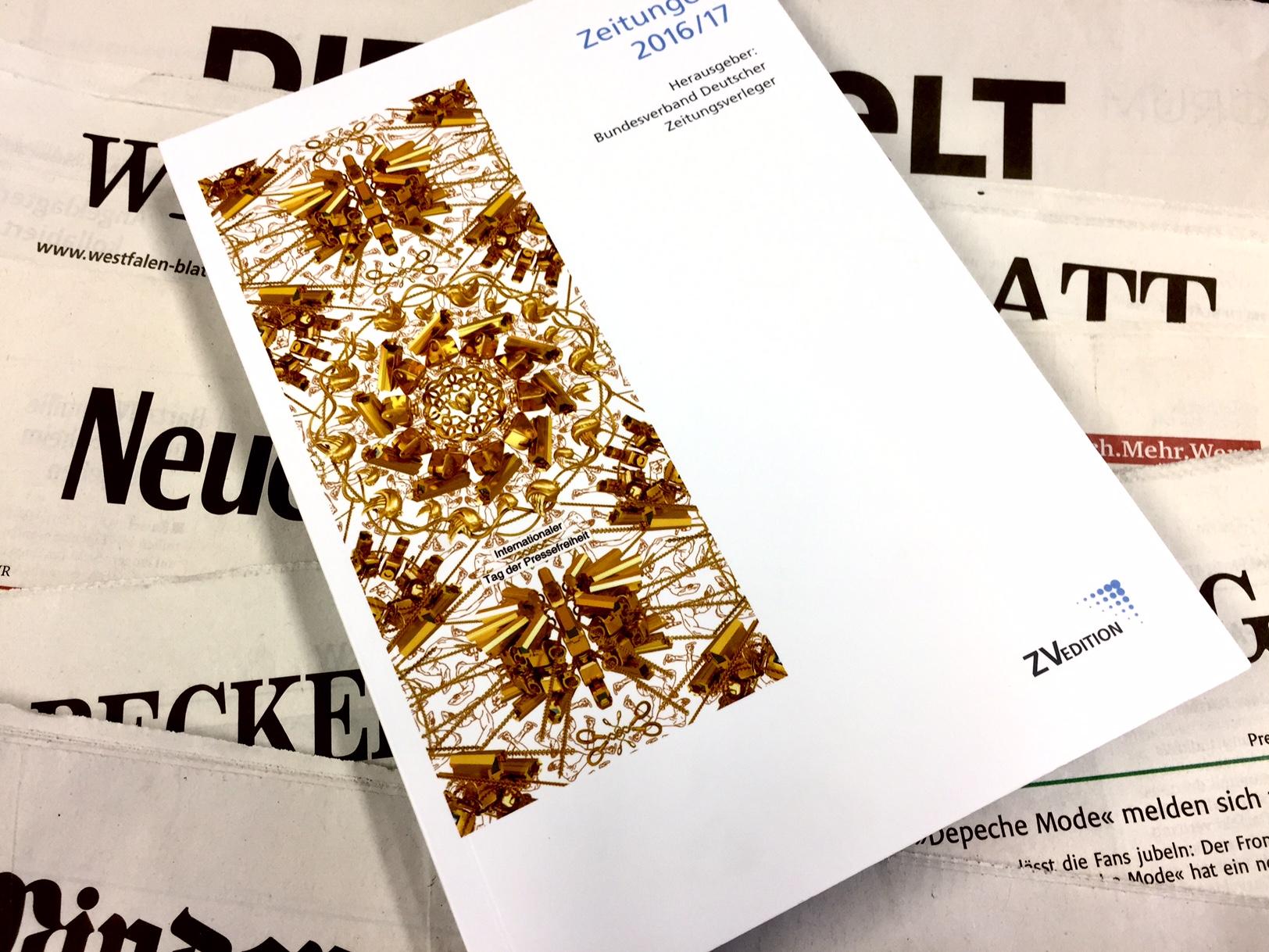 Beiträge zur Lage der Branche, Themen der Medienpolitik, Studien zur Mediennutzung und vor allem Zahlen, Daten Fakten zur Zeitungslandschaft in Deutschland: das BDZV-Jahrbuch gibt Auskunft. Foto: MT