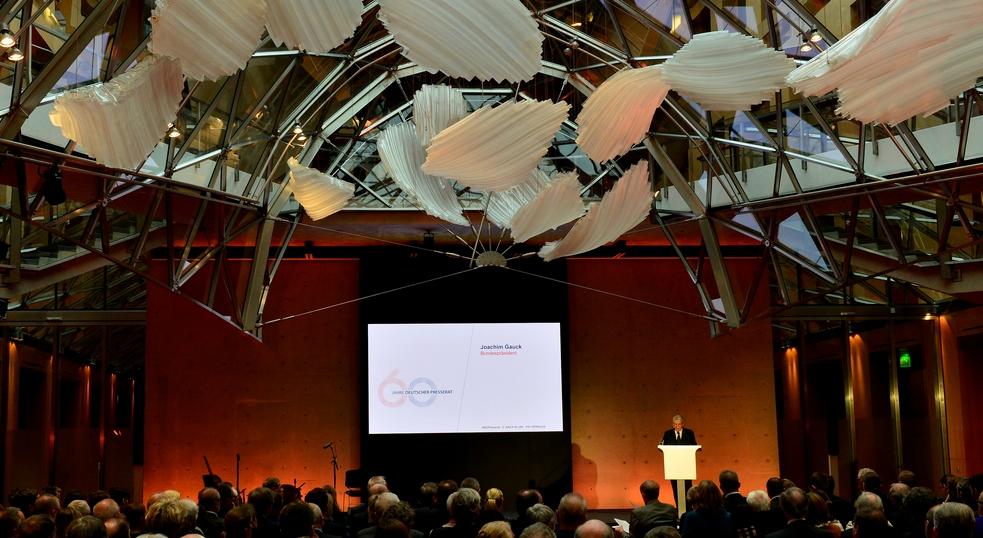 Bundespräsident Joachim Gauck hält die Festrede beim Jubiläum des Deutschen Presserats, dem Selbstkontrollorgan für die gedruckten Medien in Deutschland Foto: Maurizio Gambarini/dpa