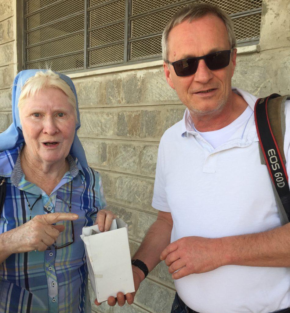 Karsten Versick mit Schwester Mary Killeen, aus Irland. MT-Foto: Karsten Versick